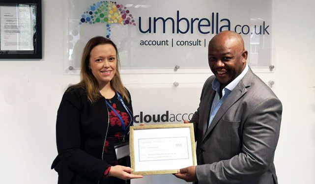 Umbrella.co.uk raises £530 for Willow Wood Hospice